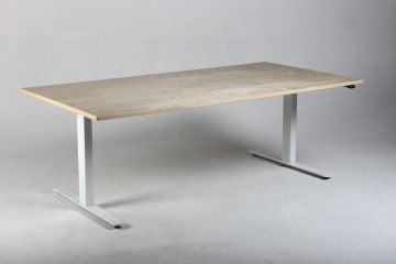 Kinnarps hæve-sænkebord