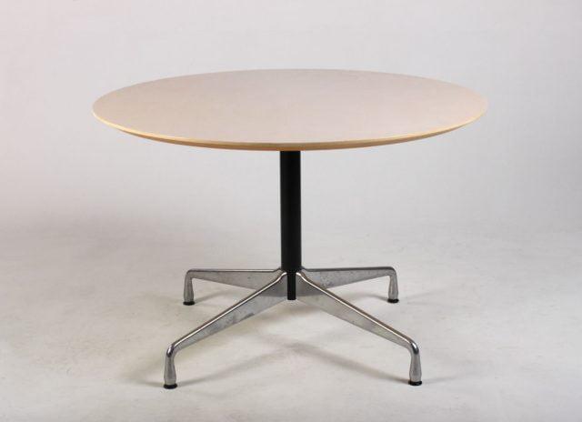 Charles Eames Segmented Table ahorn