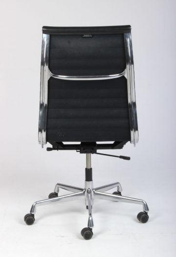 Charles Eames EA-119 kontorstol sort læder