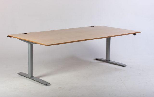Elektrisk hæve sænkebord med Linak styring