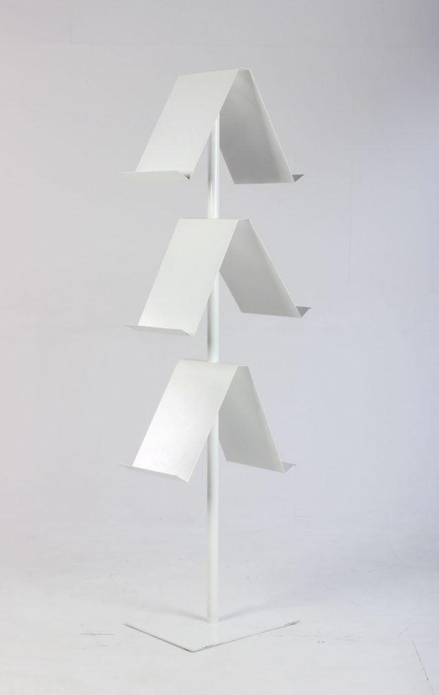 Hvid brochureholder til A4
