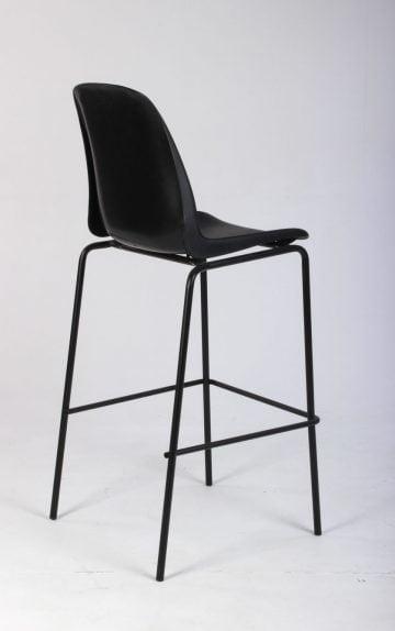 Barstol i sort plast med fodhviler