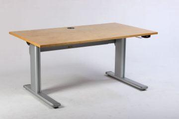 EFG hæve sænkebord 140 cm.