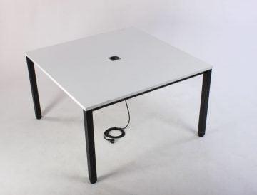 Konferencebord med udtag