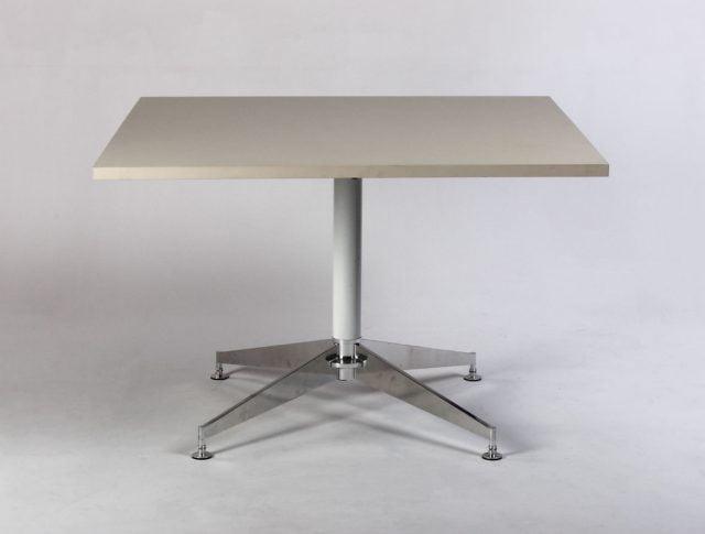 Kvadratisk bord