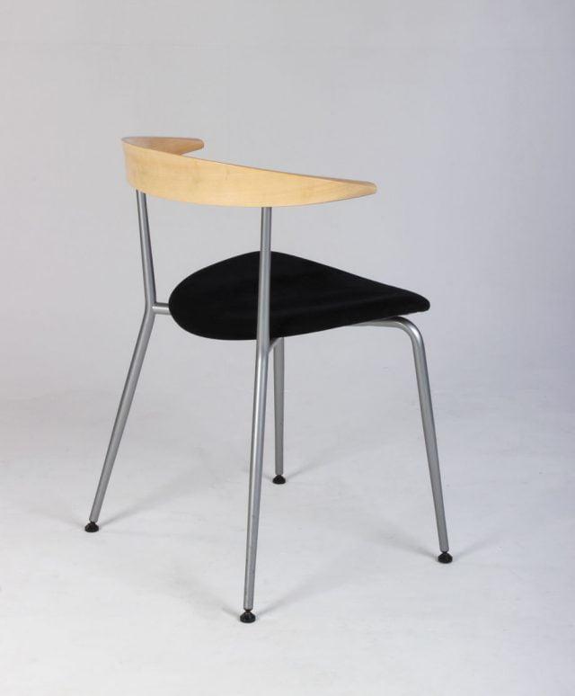 Sort og bøg stol
